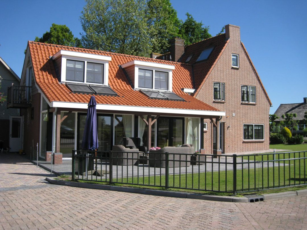 Aanbouw en uitbreiding woning vooraanzicht
