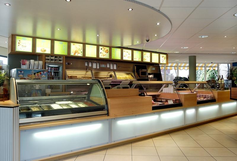 Cafetaria ontwerp in rhenen herman de jong architectuur for Colijn interieur